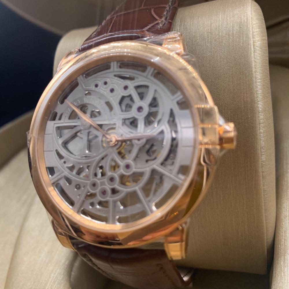 ساعة هاري وينستون سكيلتون روز قولد الأصلية