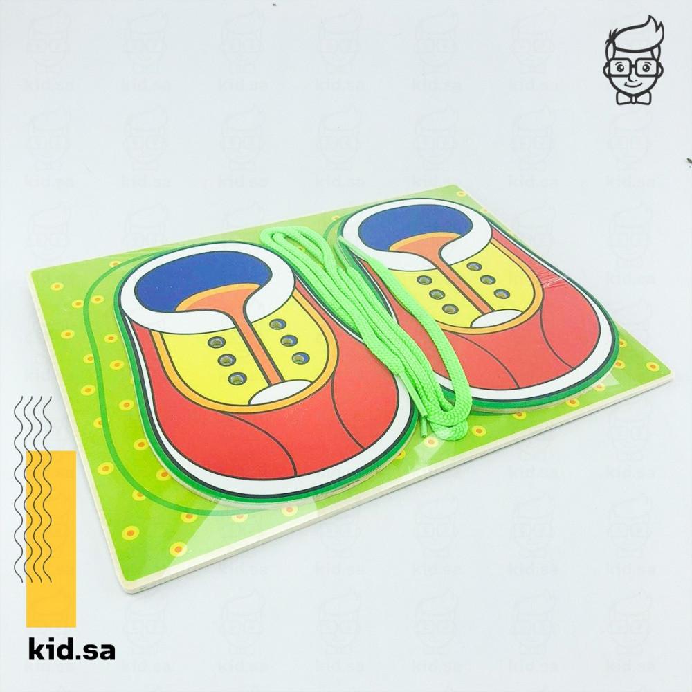 تنمية ذكاء الطفل في ربط الحذاء