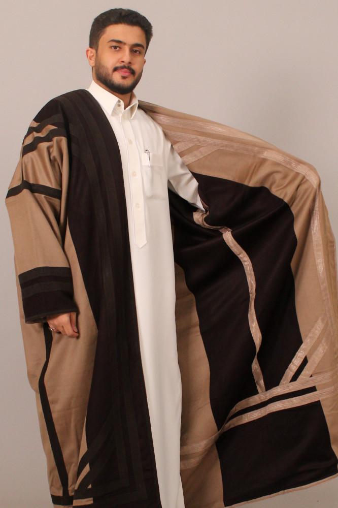فروة قماش كشميري حورانية برقا مطرزة بخيوط حرير اسود بيج