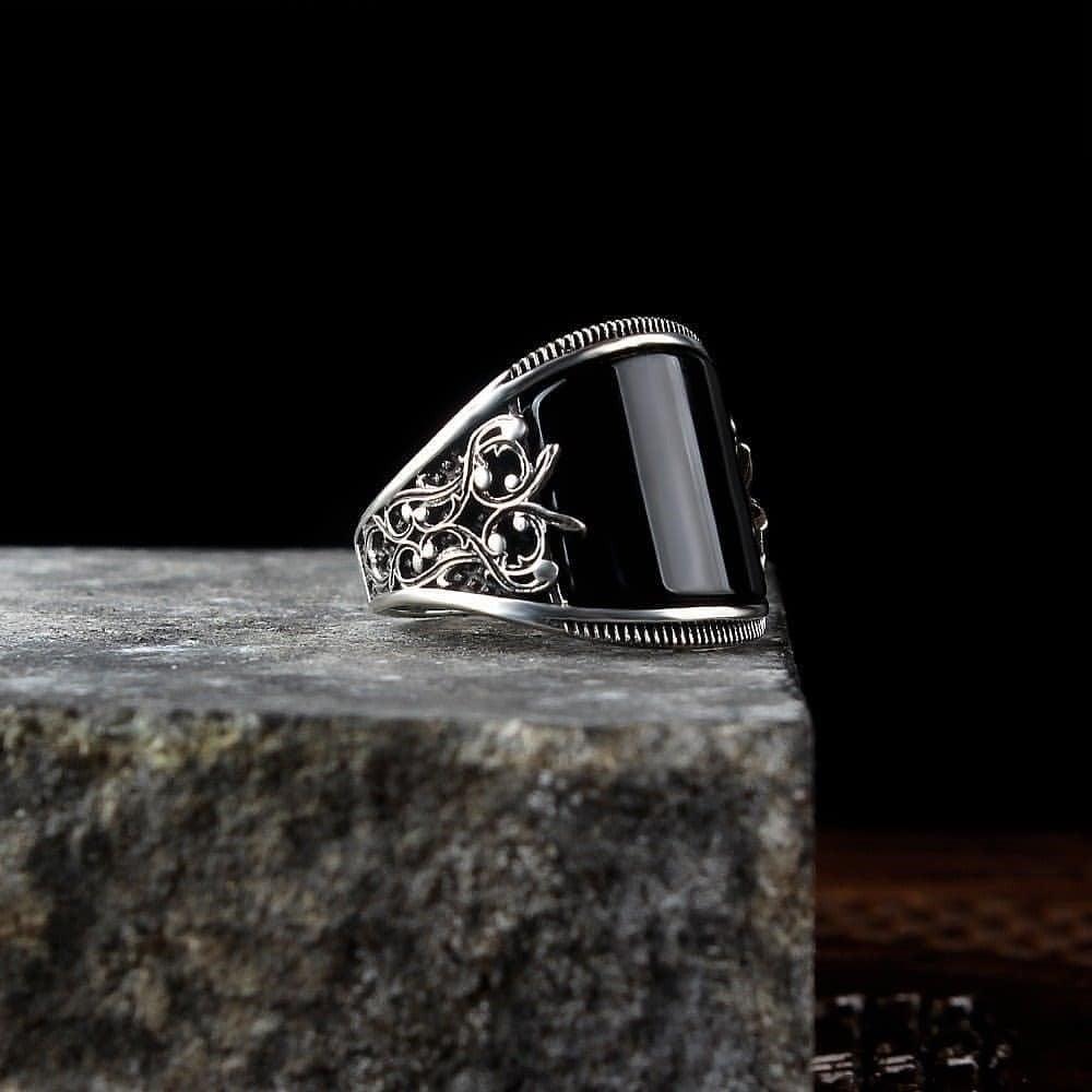 خاتم فخم بصياغة راقية