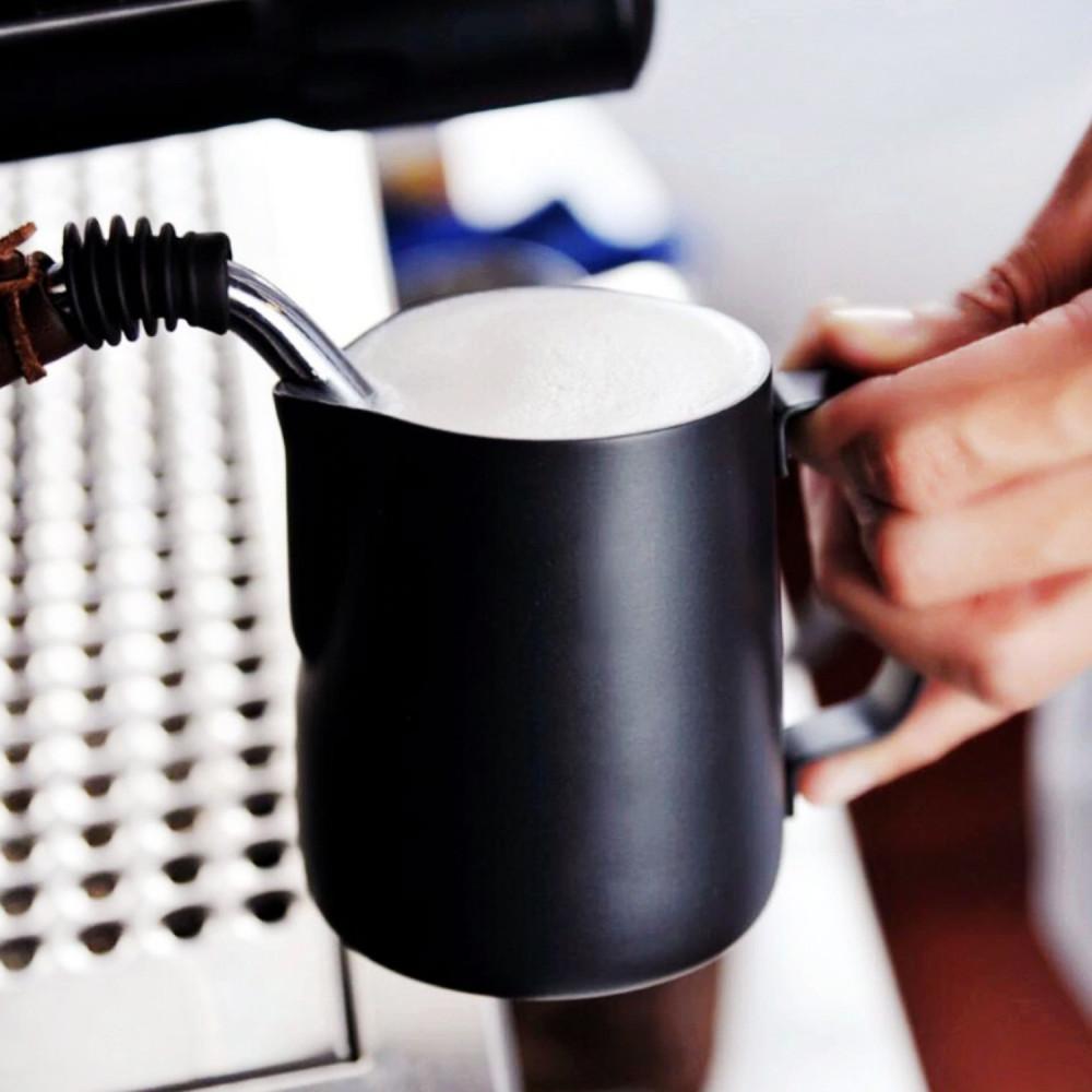 إناء لتبخير الحليب وعمل رغوة الحليب لعشاق اللاتيه والكابتشينو بيتشر