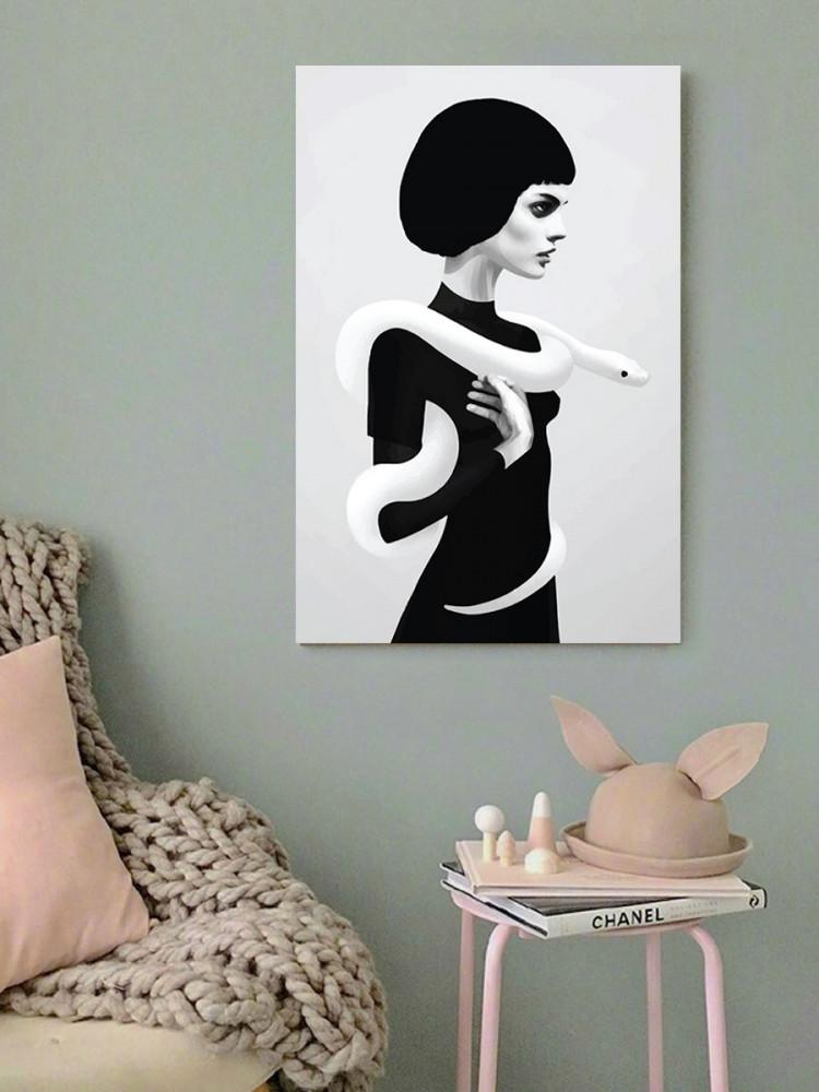 لوحة المرأة و الأفعى خشب ام دي اف مقاس 40x60 سنتيمتر