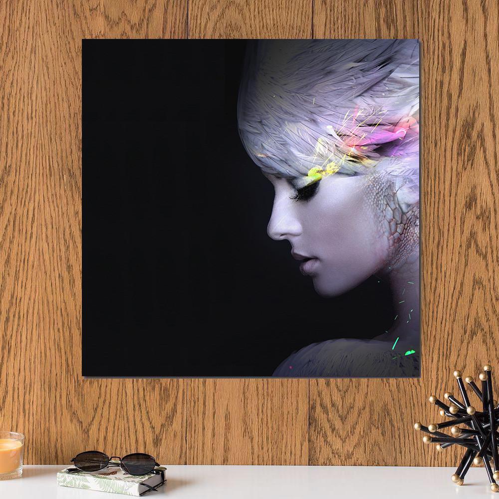 لوحة الفتاة الجميلة خشب ام دي اف مقاس 30x30 سنتيمتر