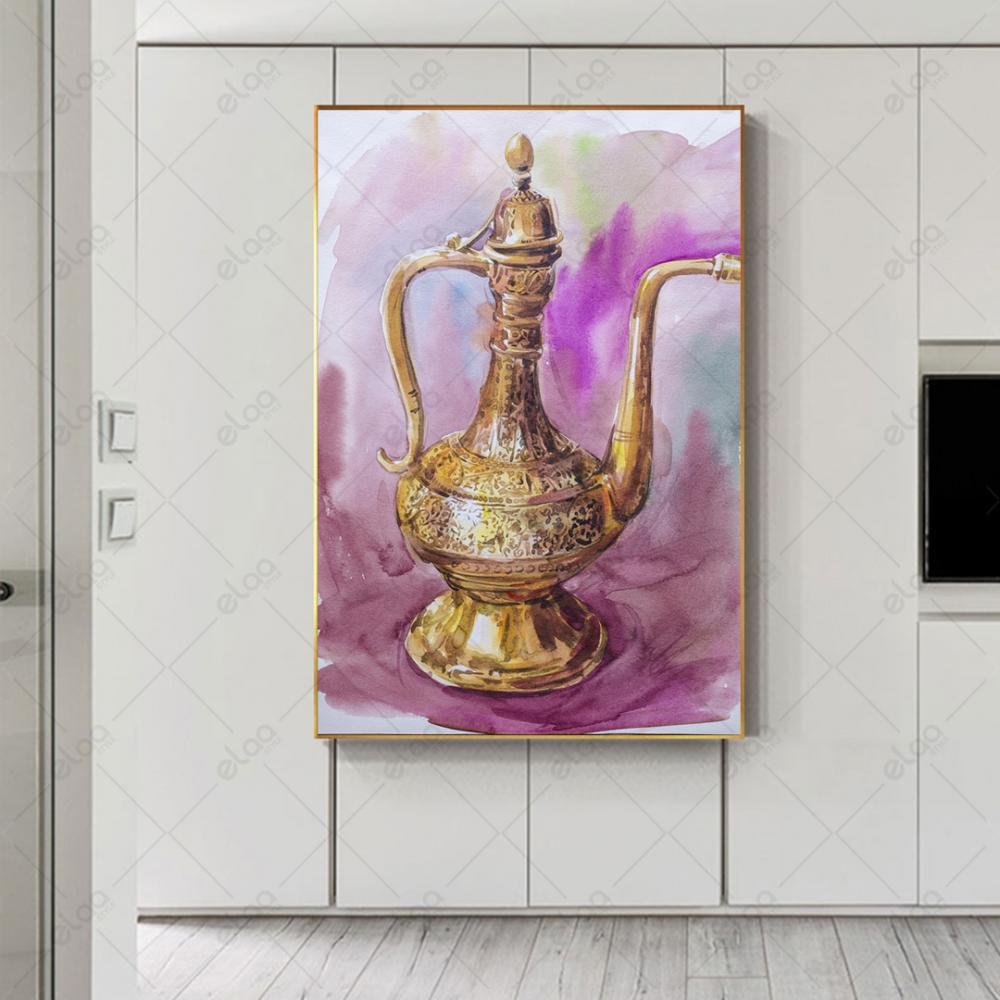 لوحة فن تجريدي ابريق اثري ذهبي بخلفية مموجه باللون البنفسجي والوردي