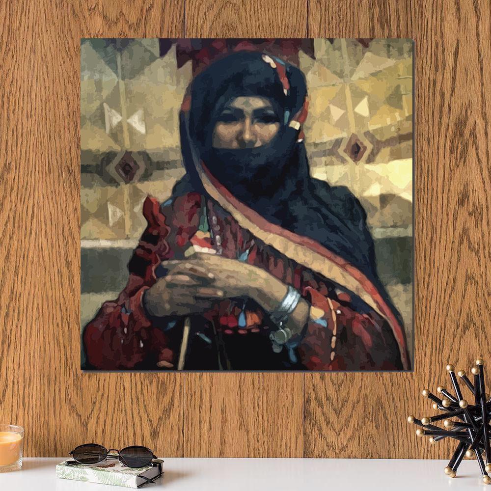 لوحة المرأة العربية خشب ام دي اف مقاس 30x30 سنتيمتر