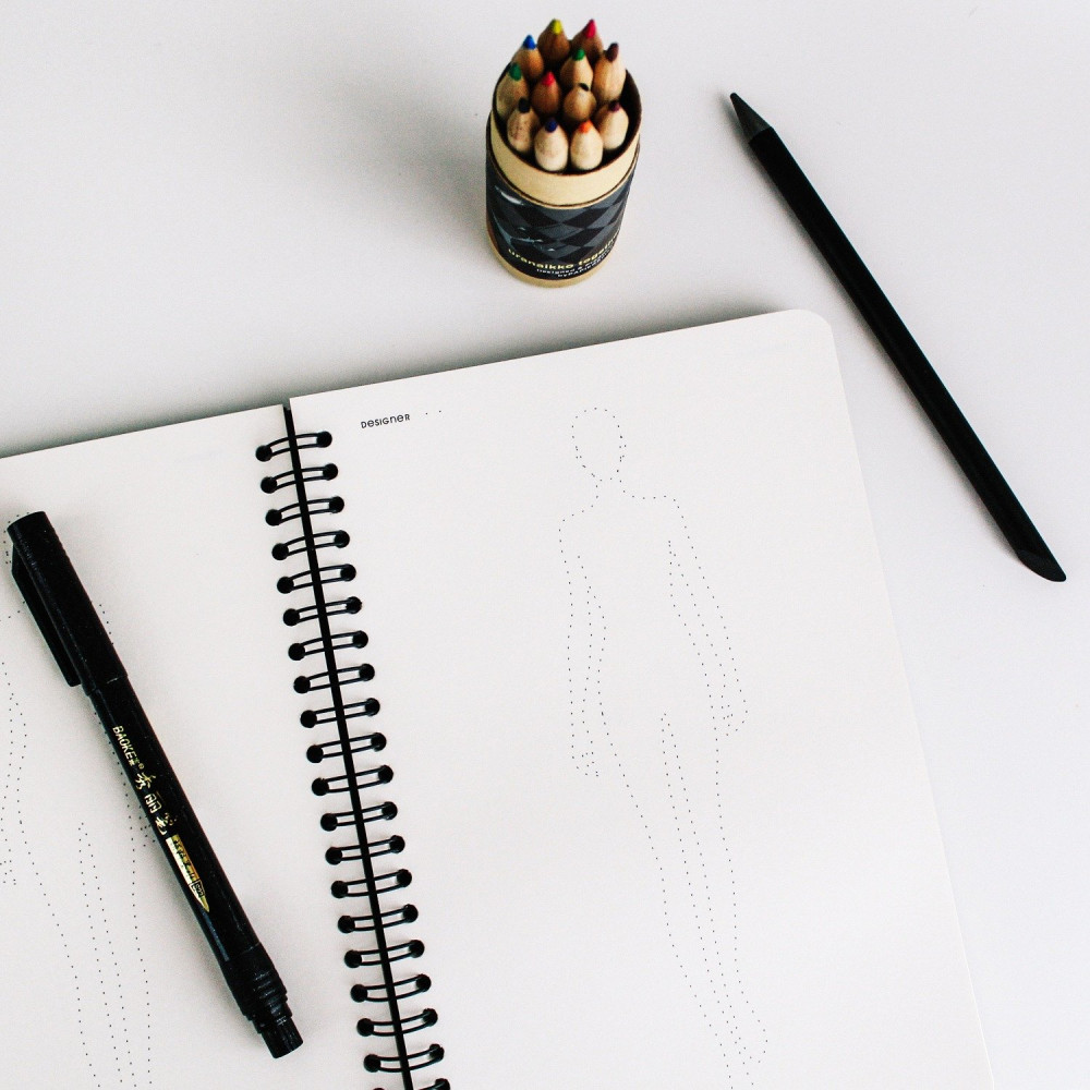 مبادئ تصميم الأزياء طريقة تعلم رسم الأزياء أدوات تصميم الأزياء الملابس