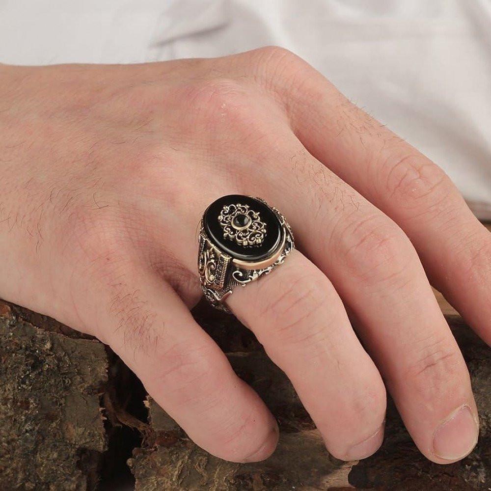 خاتم راقي من الفضة الخالصة بصياغة إبداعية مميزة
