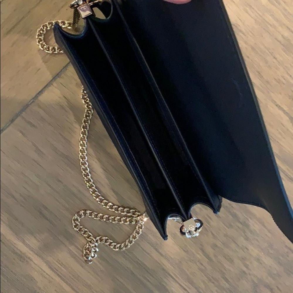 حقيبه جميله من توري بورش اوتلت