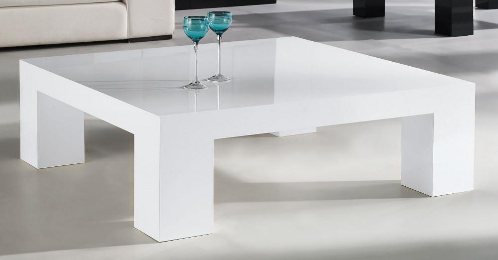 طاولة خشب أبيض