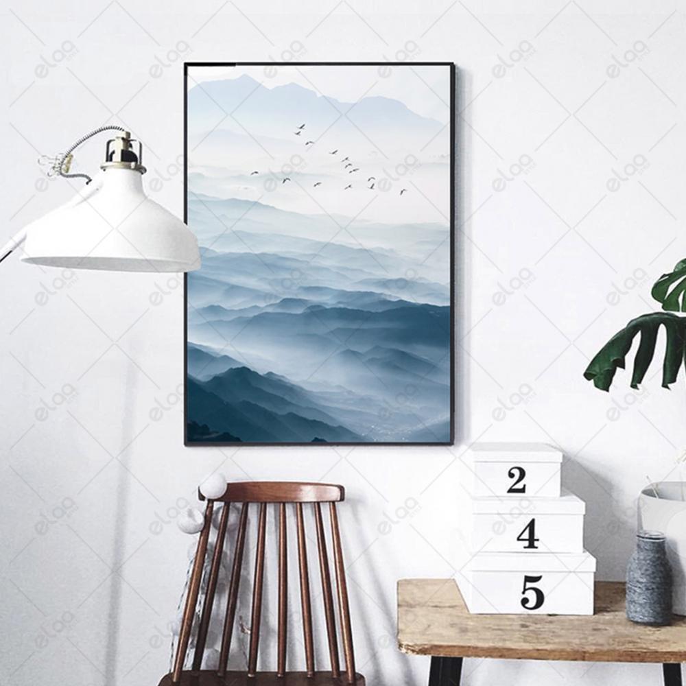 لوحة فن تجريدي لامواج البحر العالية