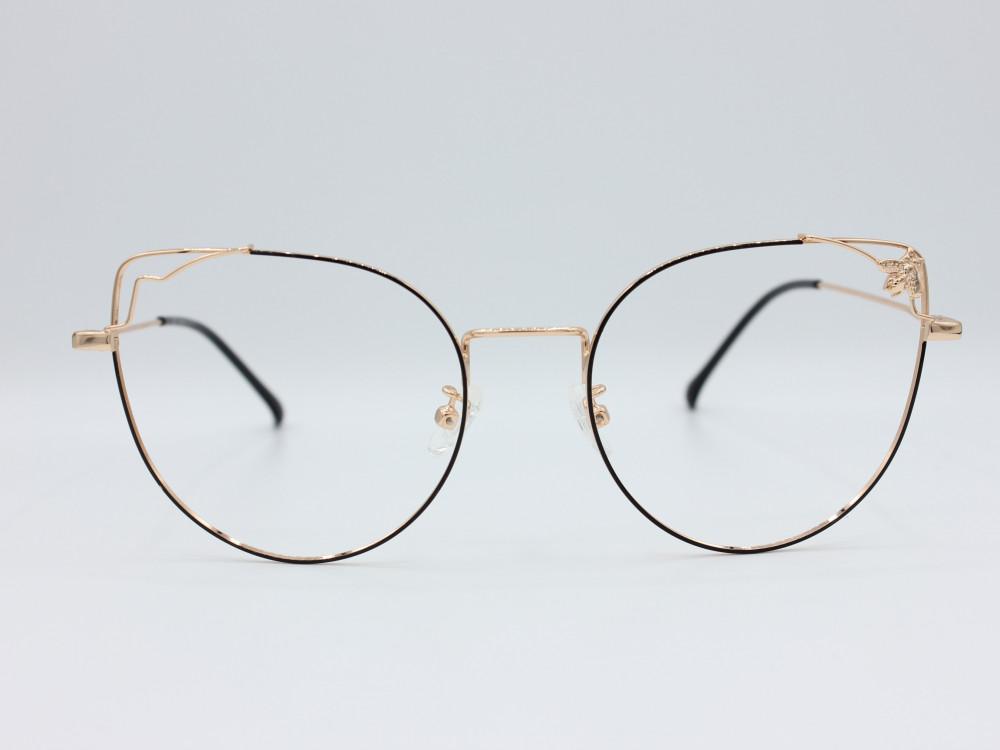 نظارة طبية نسائيه من ماركة T كلاسيك مع عدسات بحماية لون الاطار اسود
