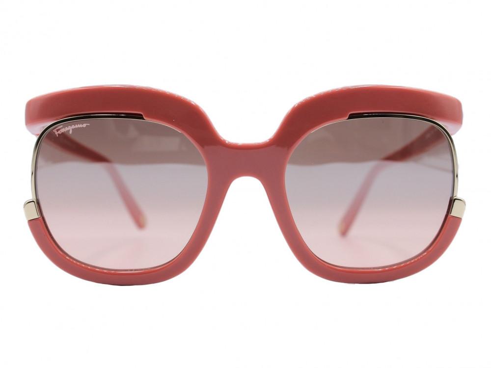 نظاره شمسية مربعه من ماركة  Salvadore ferragamo عدسة MIRROR  4015