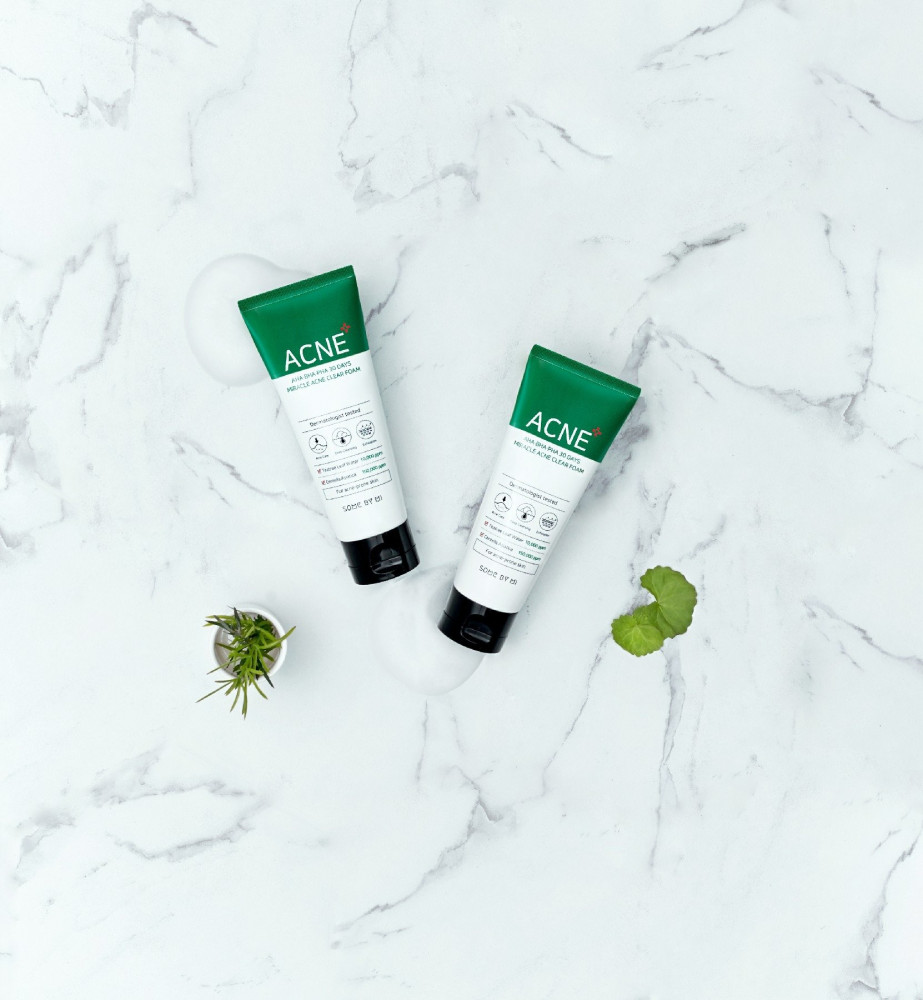 The miracle foaming cleanser for acne