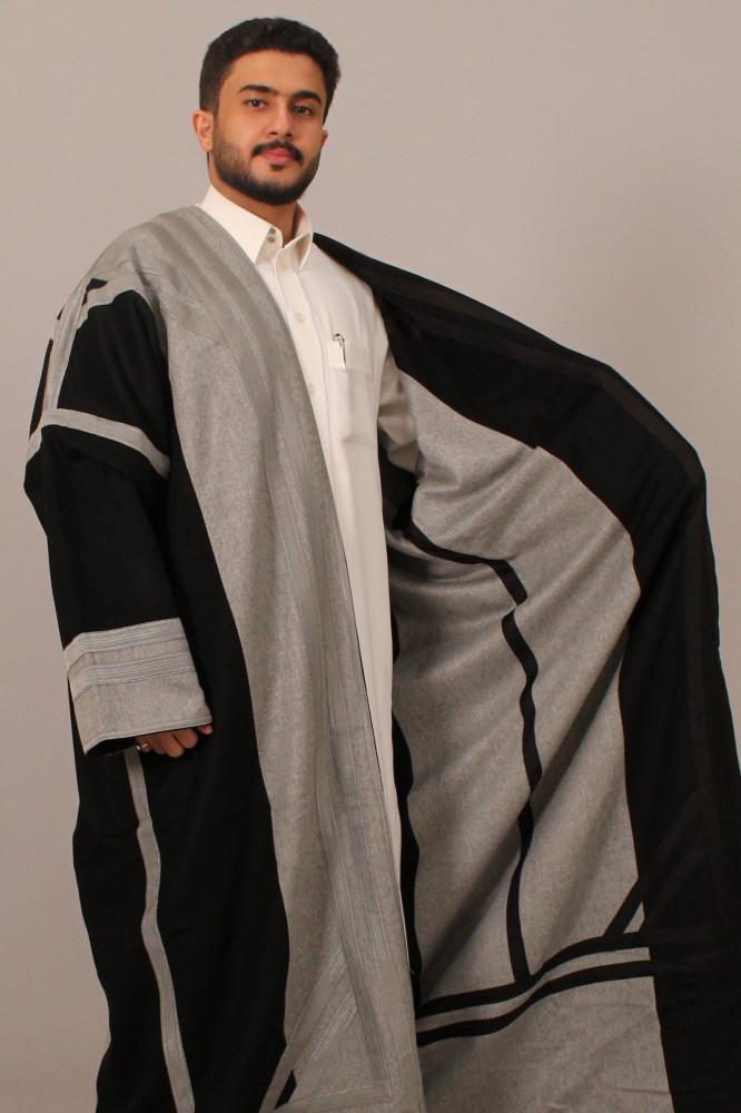 فروة قماش كشميري حورانية برقا مطرزة بخيوط حرير اسود رصاصي