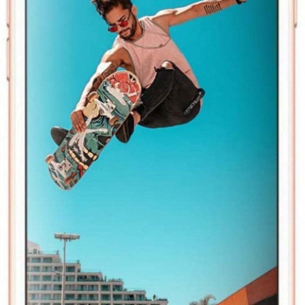 ابل ايفون 8 Plus بذاكره داخليه 256  GB مع فايس تايم الجيل الرا
