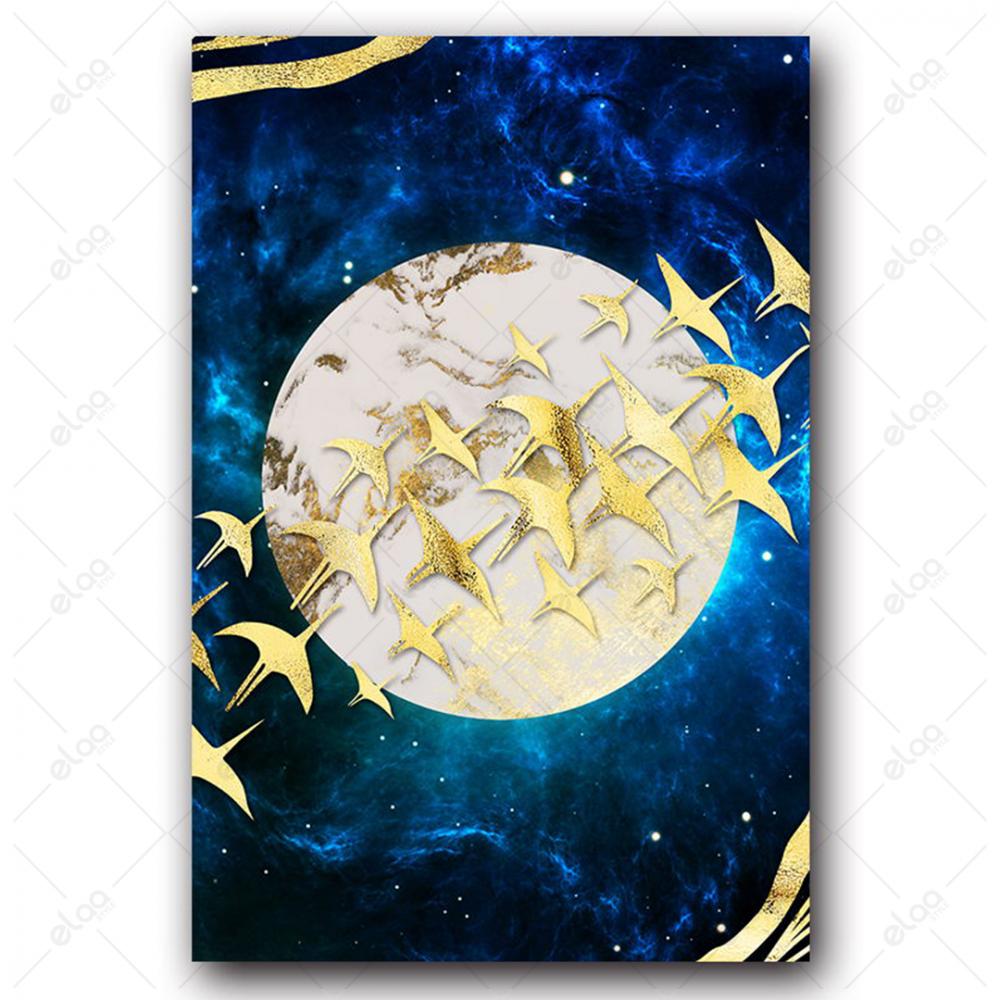 لوحة فن تجريدي لطيور مهاجرة باللون الذهبي بخلفية قمر ودرجات اللون الاز