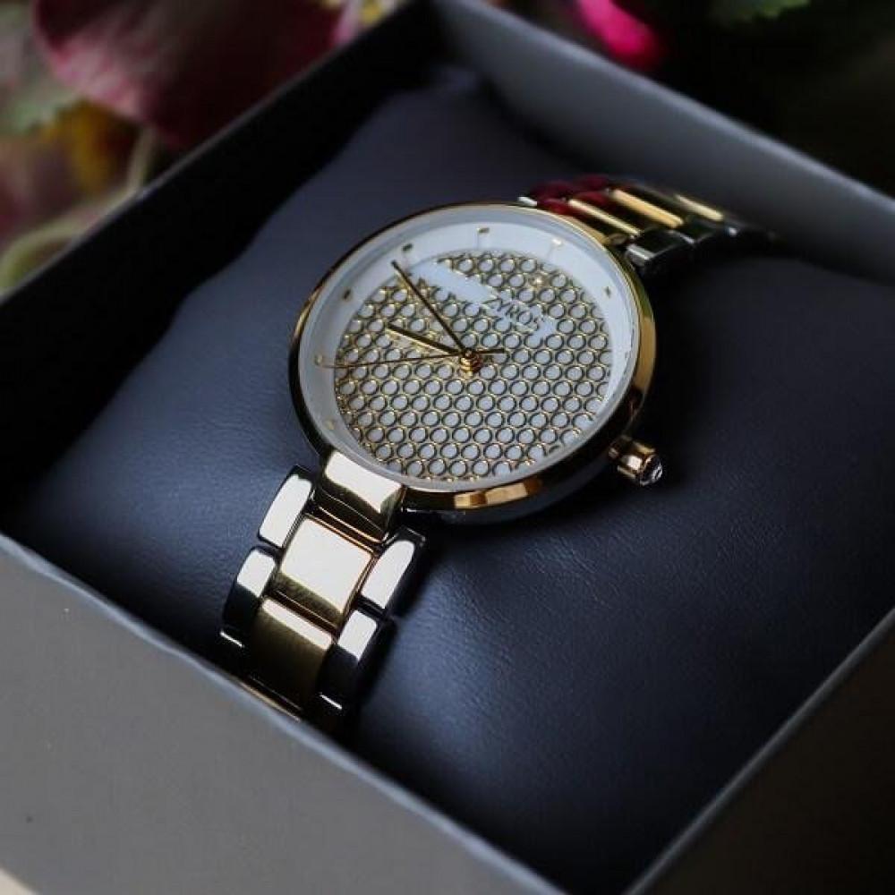 ساعة نسائية ماركة زايروس