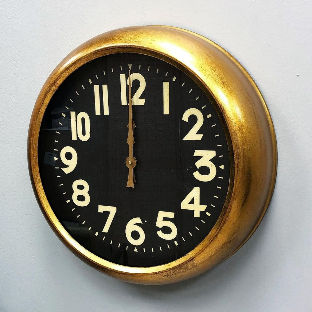 ساعة حائط حديد انتيك ساعات ساعة انتيك اطار ذهبي حائط