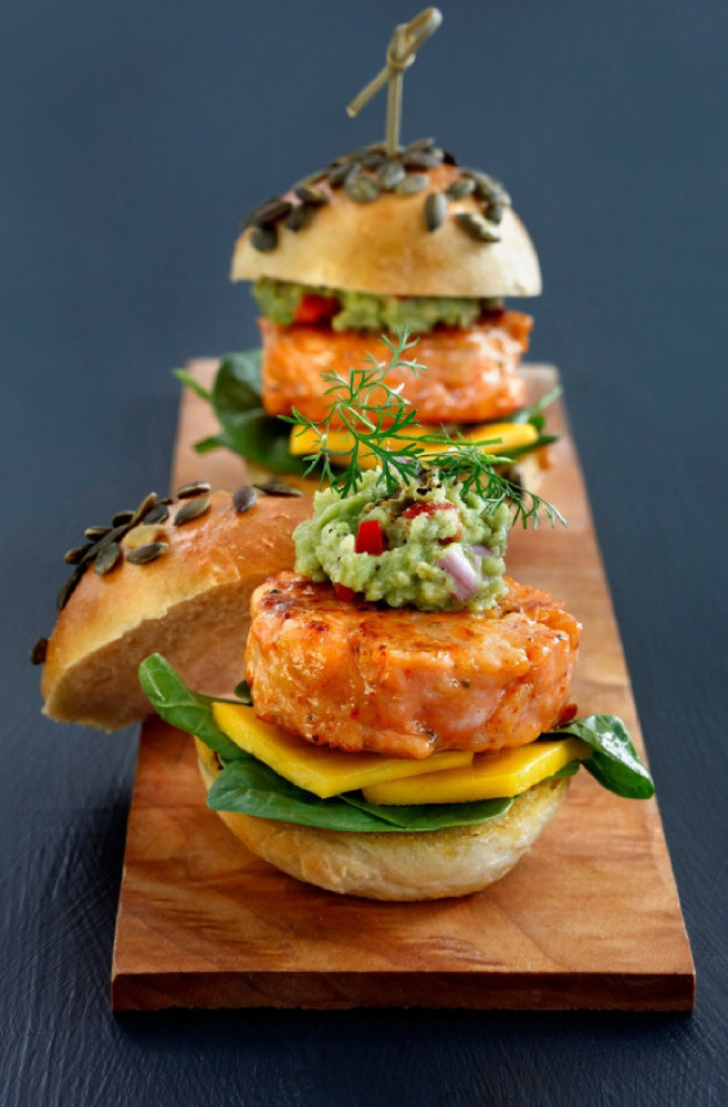 سالمون برغر بالجبن mini jalapeno cheese burger salmon