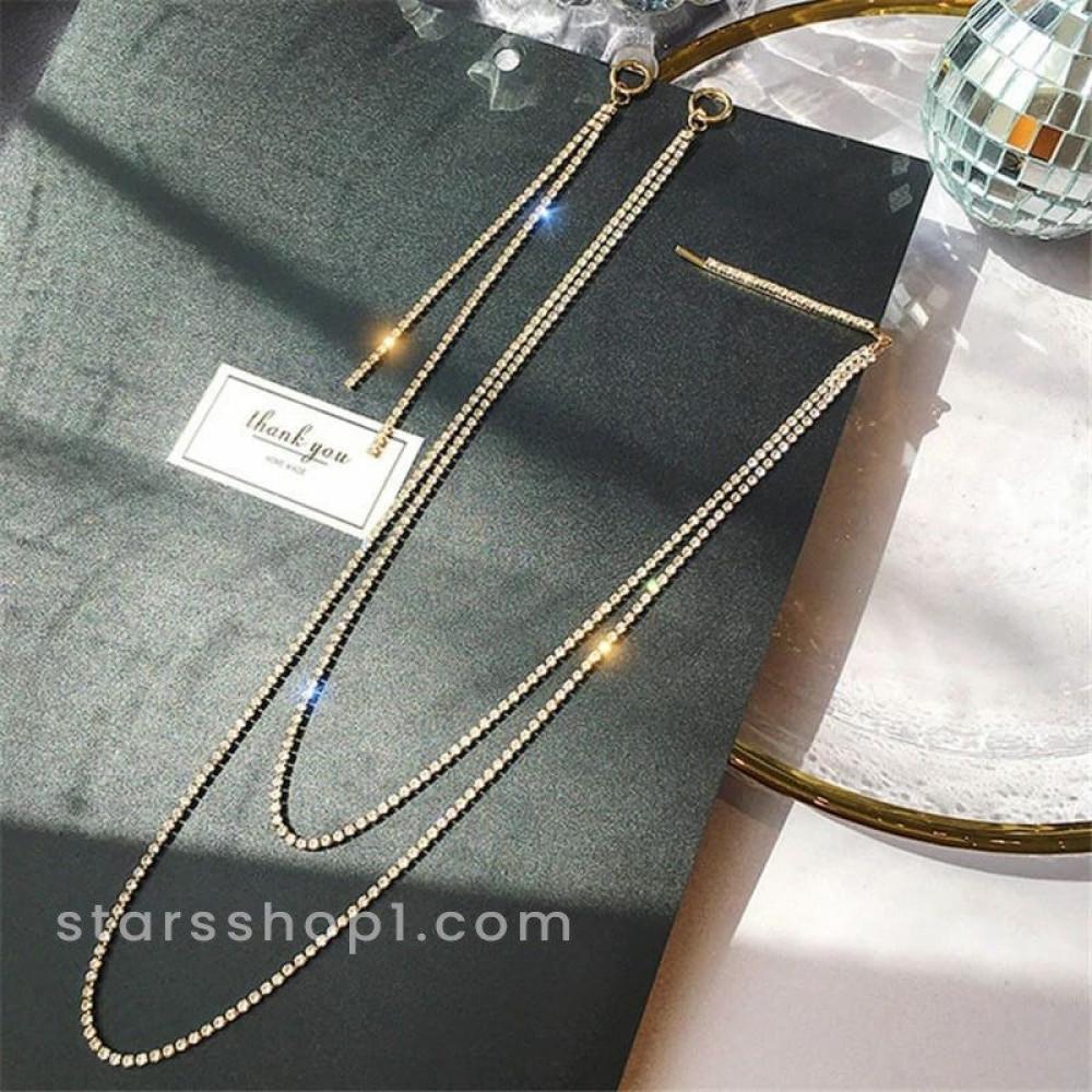 حلق اذن نسائي ذهبي مزين بالكريستال بتصميم رائع