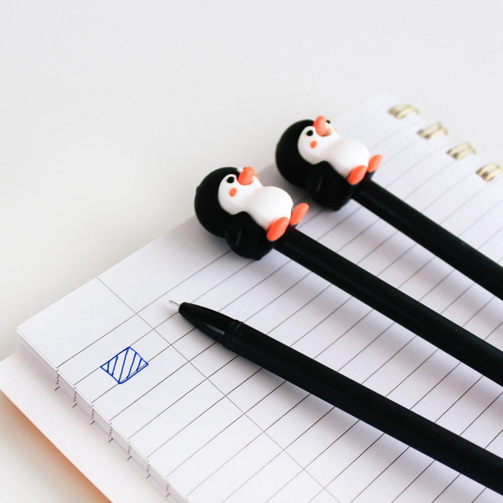 قلم متعدد ألوان الحبر أقلام أدوات مدرسية أدوات مكتبية قلم جاف بطريق