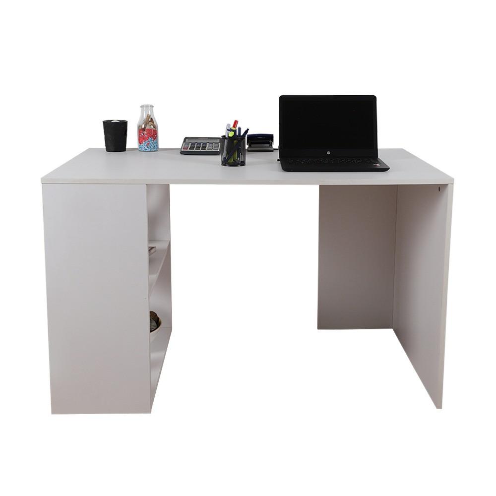 مكتب دراسة موديل نانو باللون الأبيض والتصميم الخشبي المميز مواسم