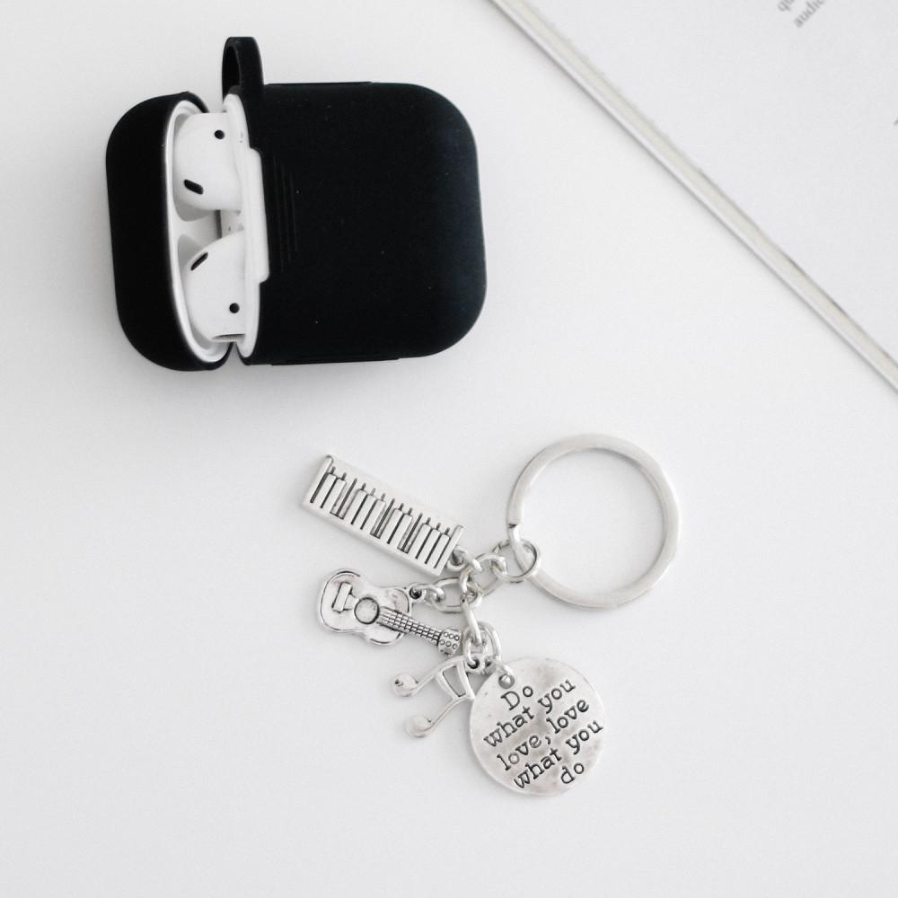 ميدالية مفاتيح معدنية بيانو قيتار لعشاق الميوزك أفكار هدايا نساء رجال