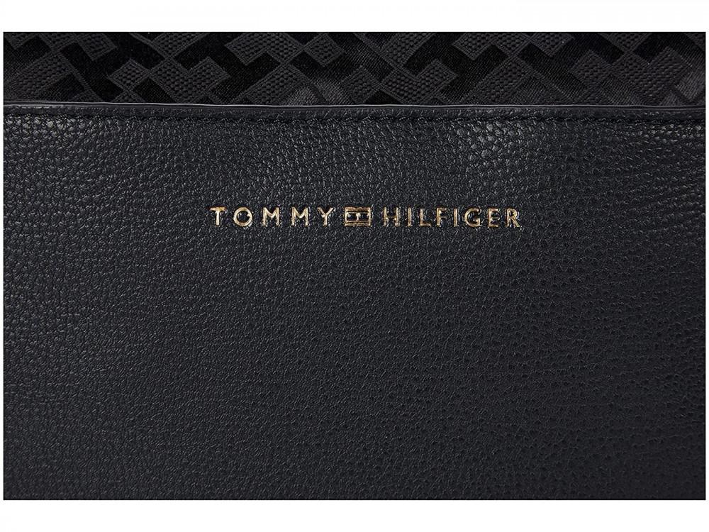 احلى شنطة تومي هيلفيغر باللون الأسود - متجر كيوت ستور