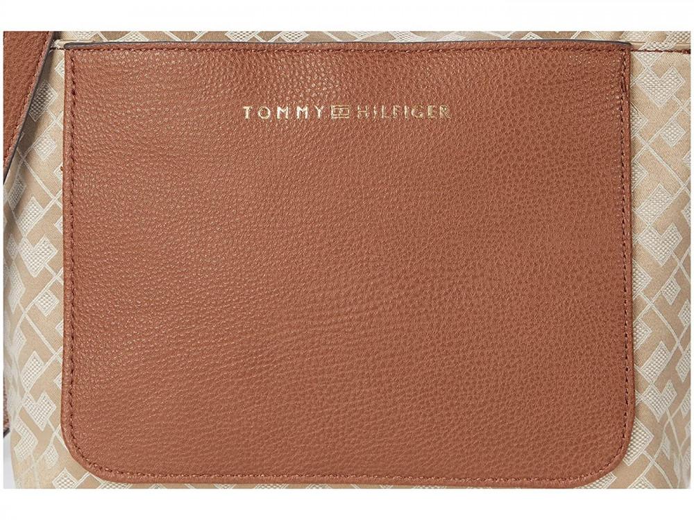 سعر شنطة تومي هيلفيغر لونها بيج - متجر كيوت ستور