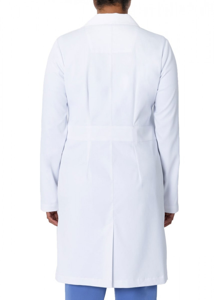 لاب كوت طبي