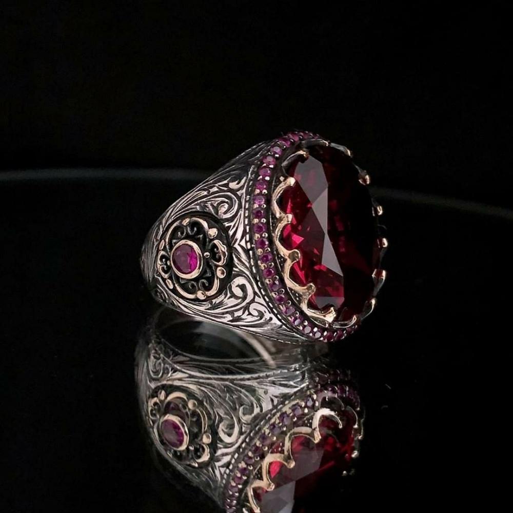 خاتم من الفضة الخالصة بحجر وفصوص زركون