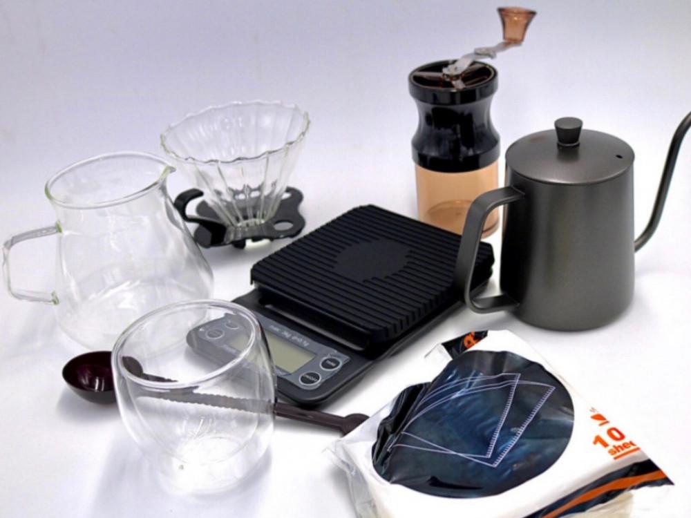 ادوات قهوة مقطرة v60