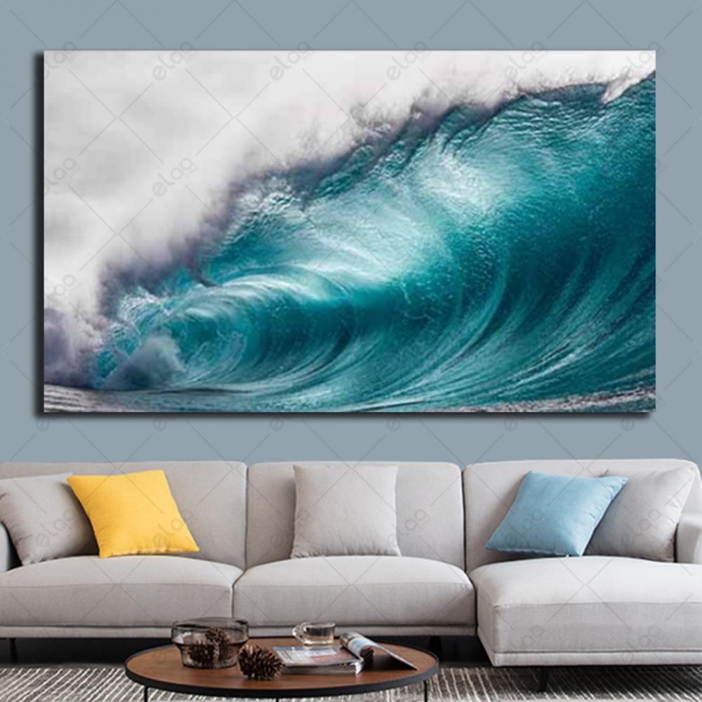 لوحة فنية منظر طبيعي لأمواج بحر عالية بالالوان المحيطية والأبيض