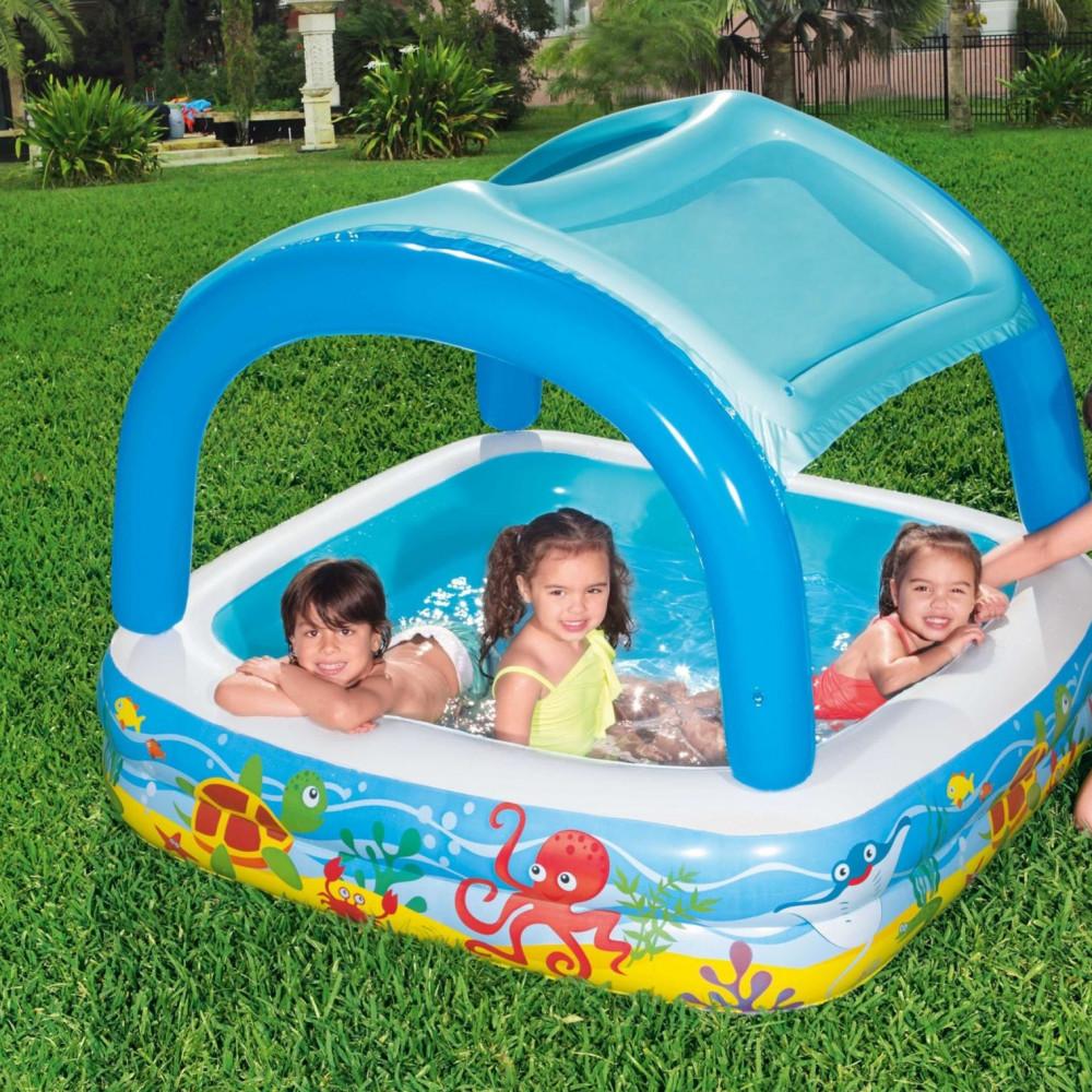 مسبح اطفال صغير