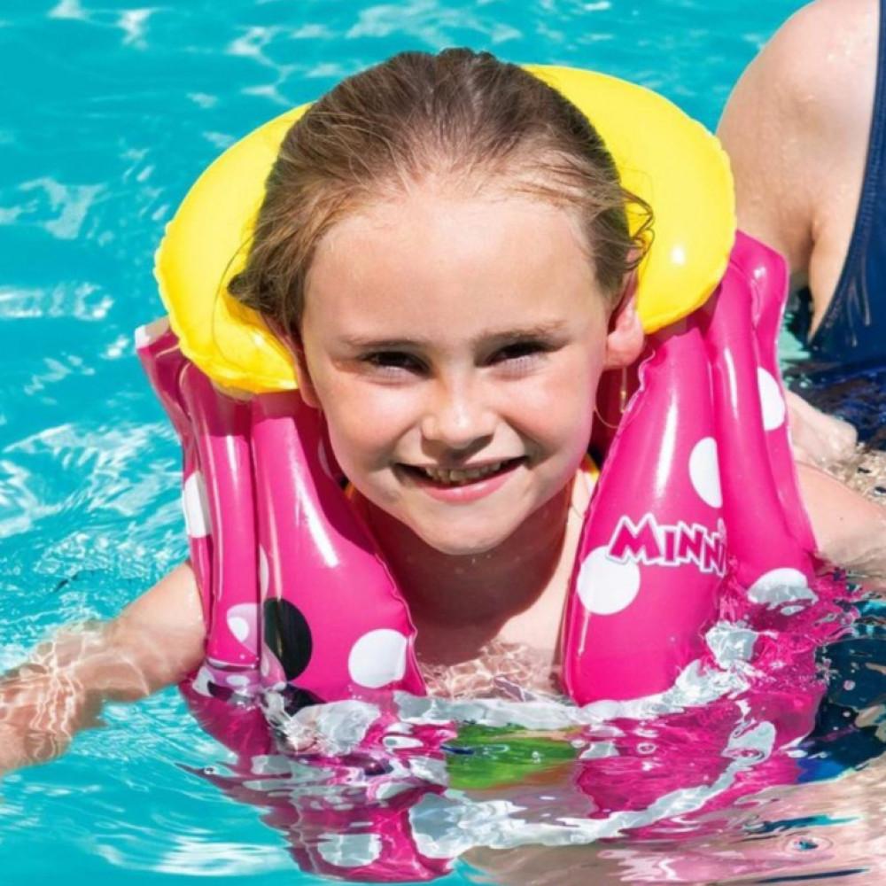 سترة سباحة