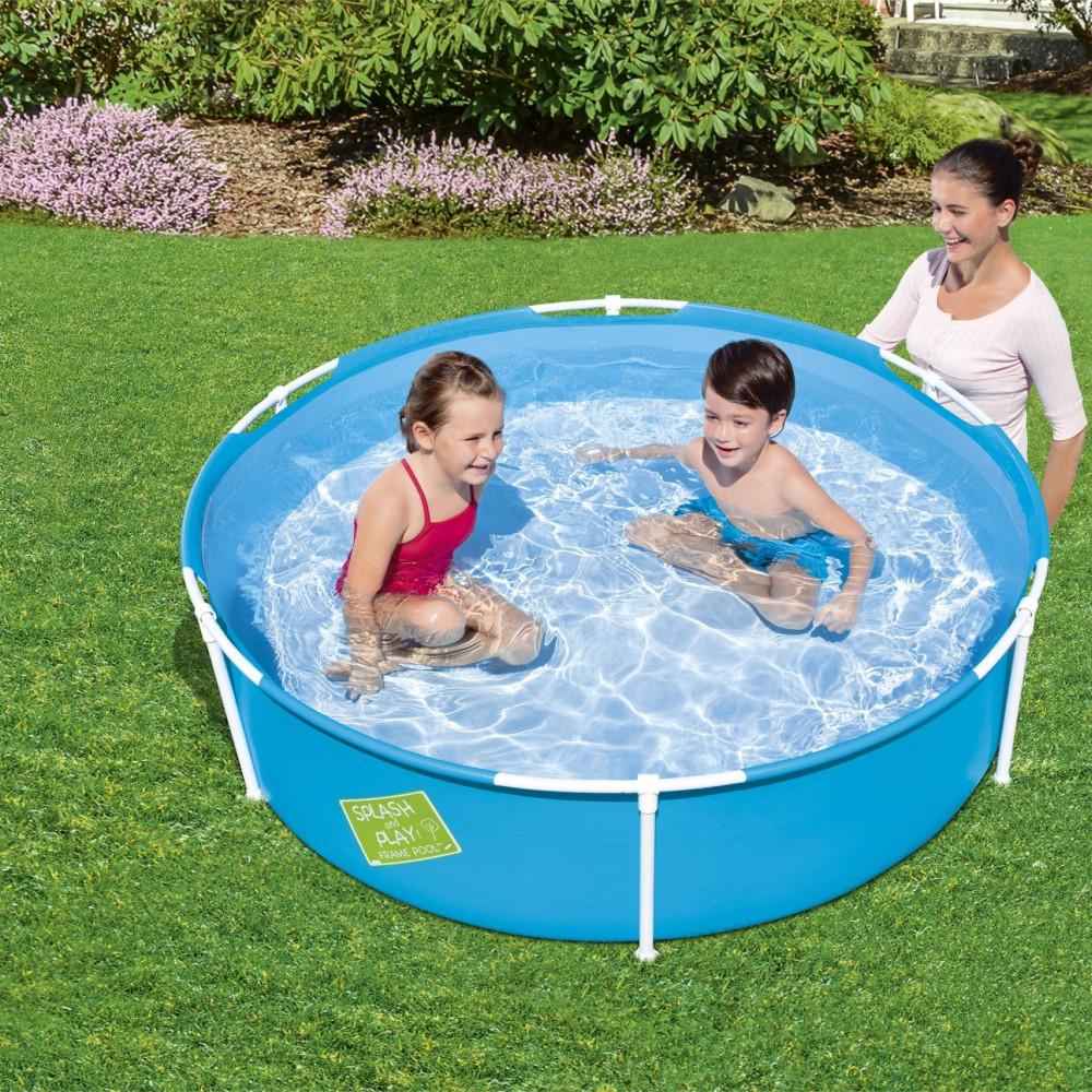 مسبح اطفال صغار