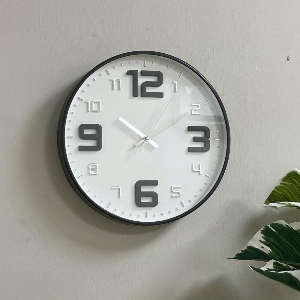 ساعة حديد رمادي بارقام ساعات جدار ساعة حديد دائرية فضي ديكورات المنزل