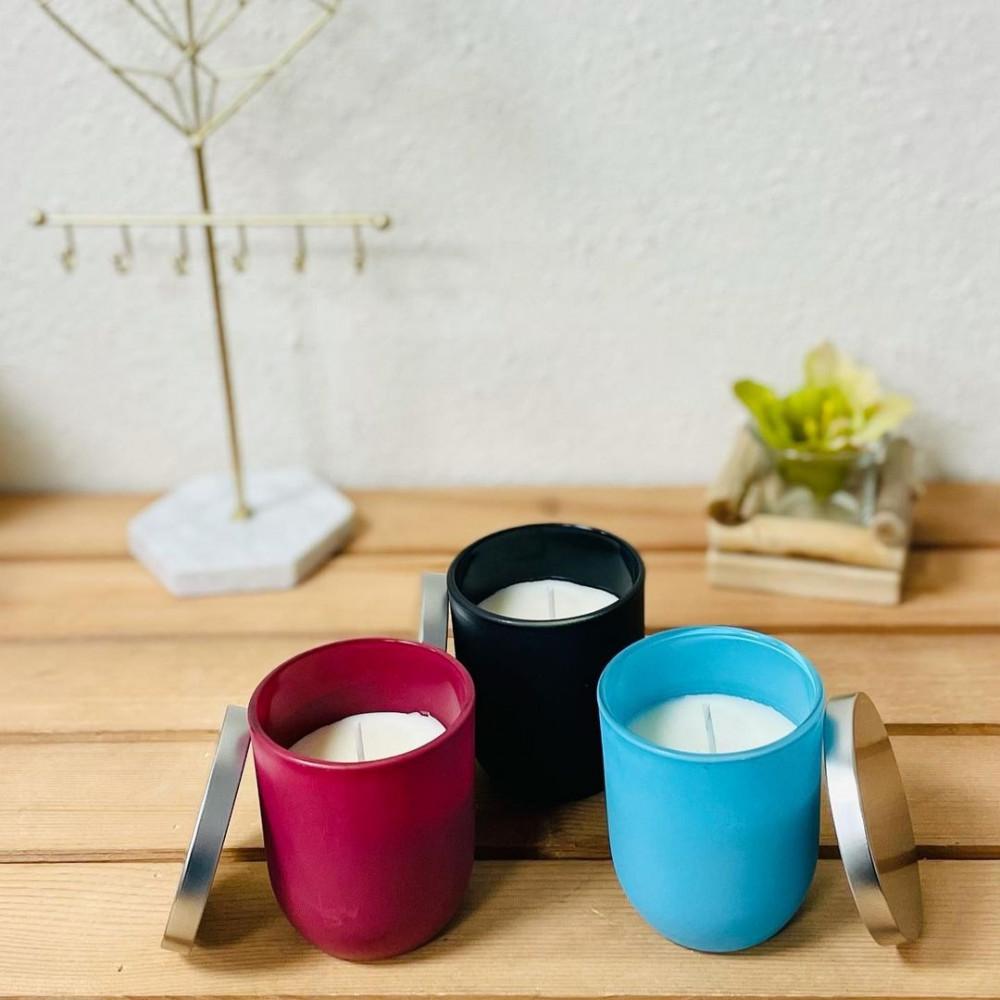 شمع معطر بكاس ازرق زجاج مع غطاء حديد شمع وشمعدان ديكورات المنزل