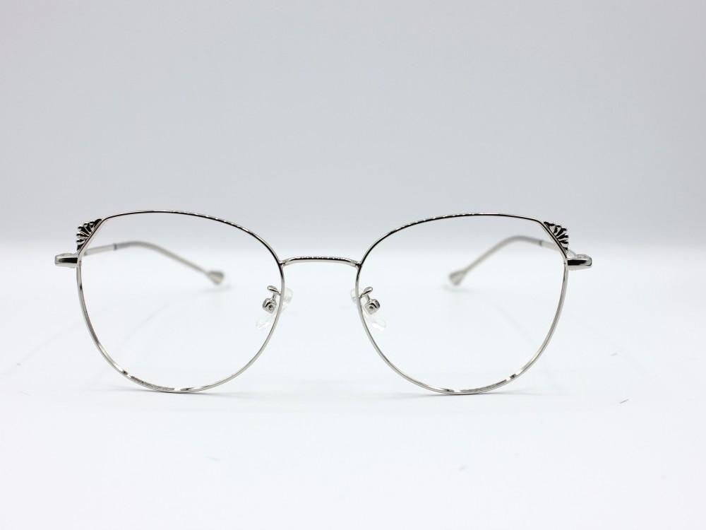 نظارة طبية من ماركة T بتصميم كلاسيك و عدسات بحماية لون الاطار فضي نساء