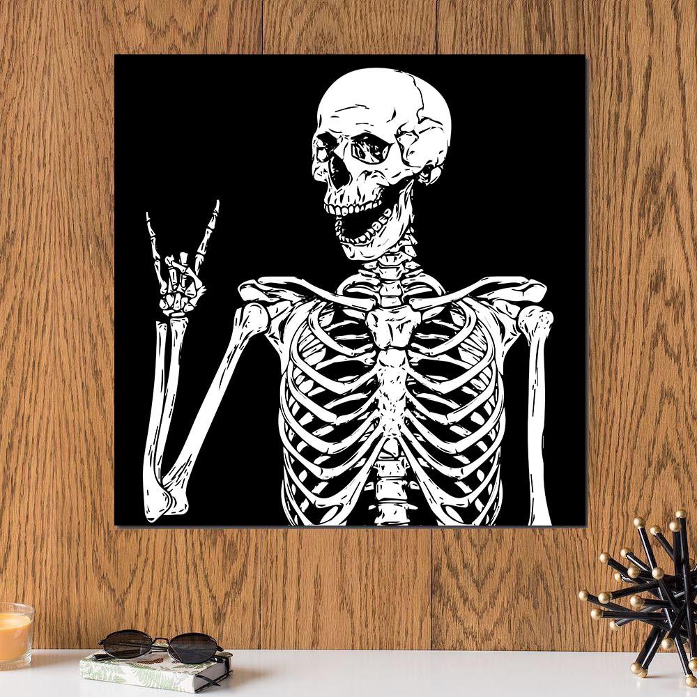 لوحة هيكل عظمي خلفية سوداء خشب ام دي اف مقاس 30x30 سنتيمتر