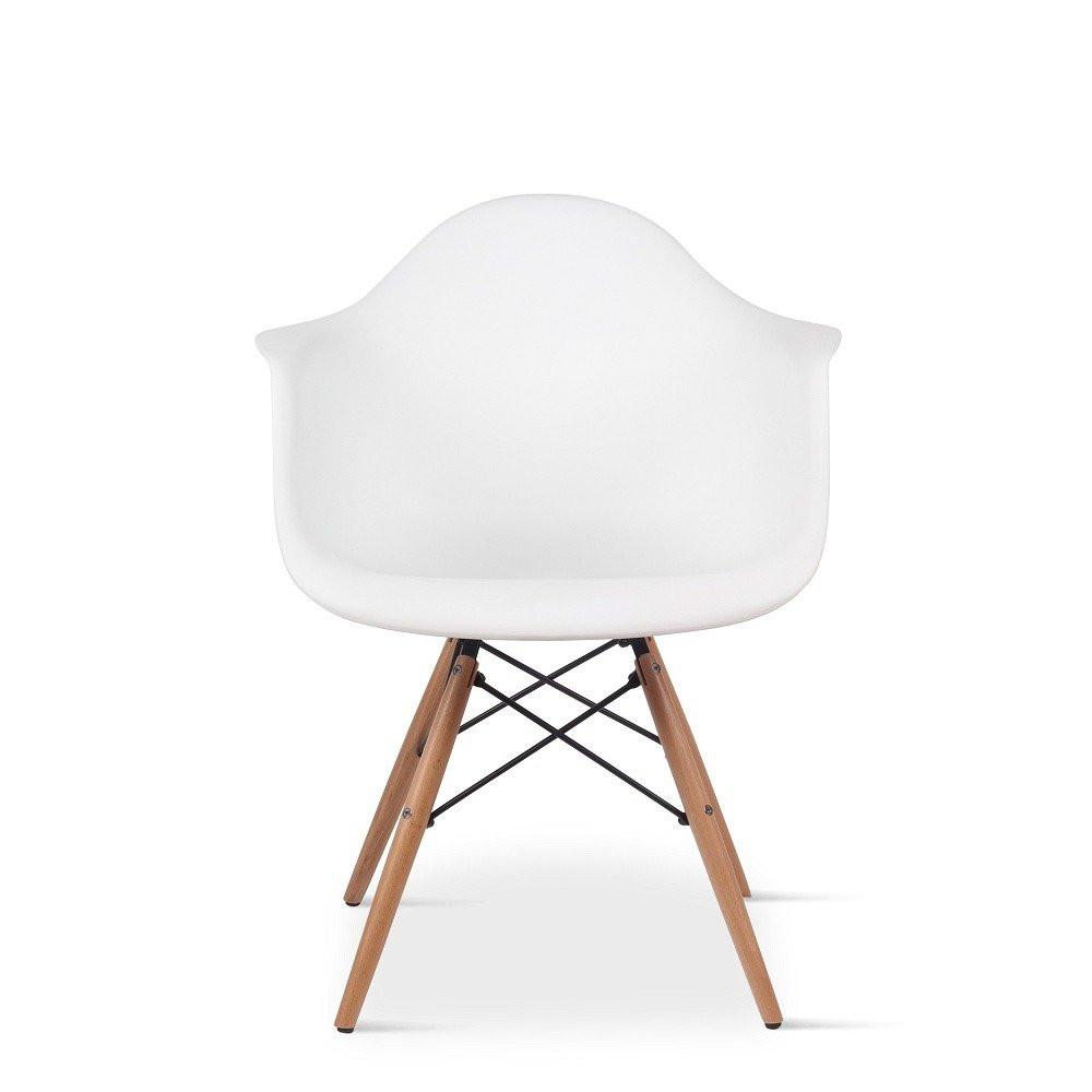 صورة أمامية مباشرة لرؤية الكرسي من طقم كراسي نيت هوم أبيض في يوتريد