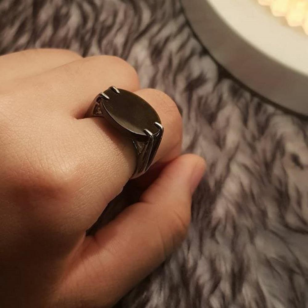 خاتم ملكي بحجر أونكس فخم
