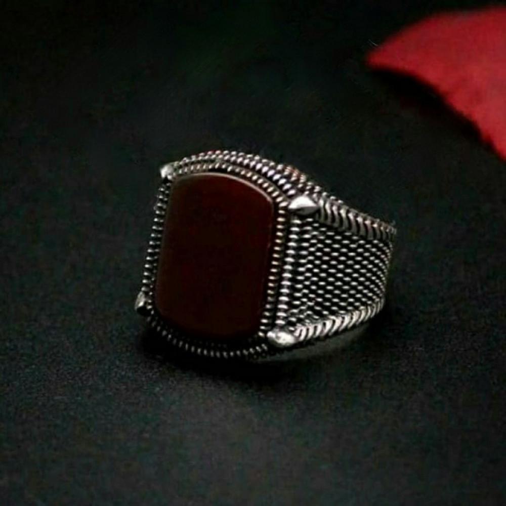 خاتم بصياغة راقية من الفضة الخالصة