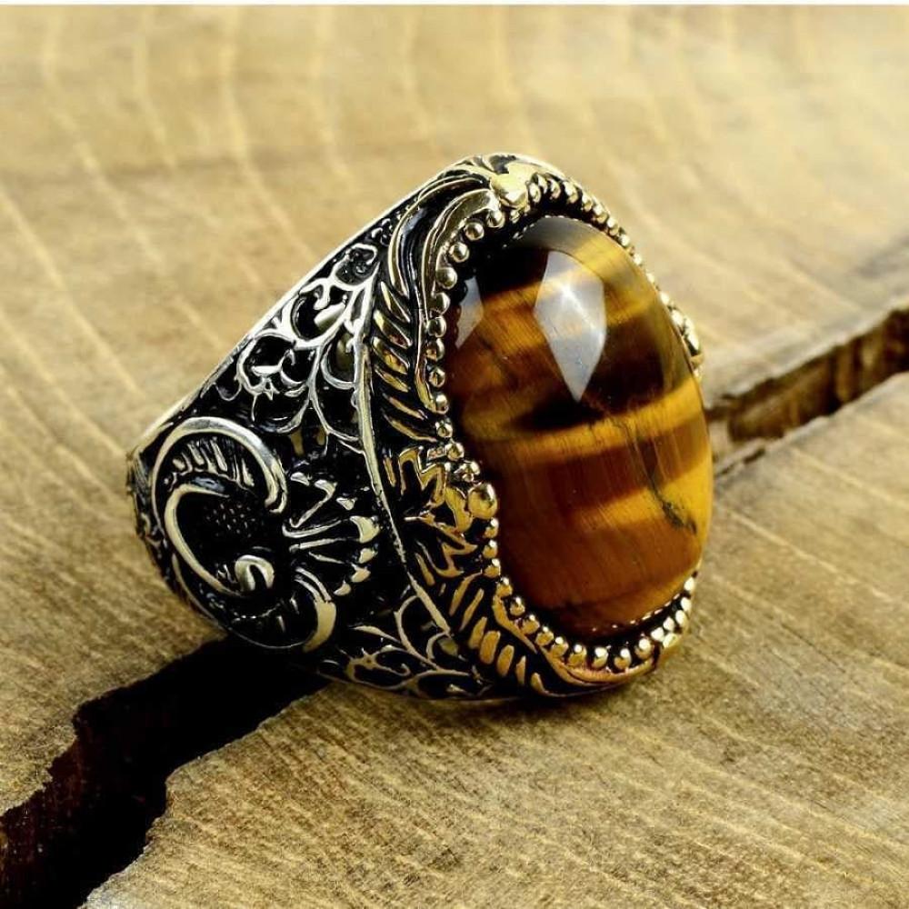 خاتم بصياغة مميزة من الفضة الخالصة بحجر عين النمر