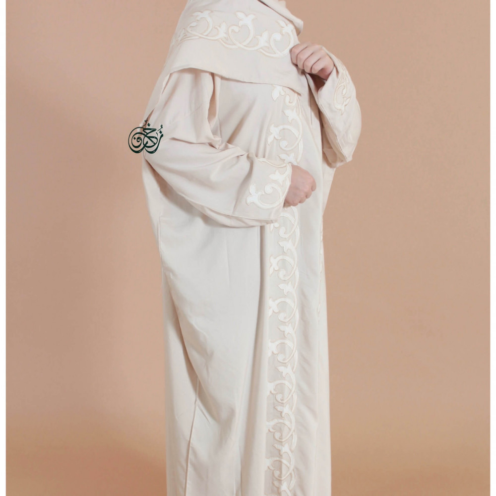 ثوب صلاة مطرز