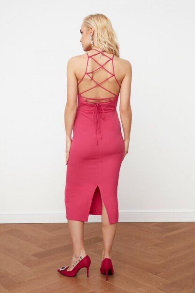 فستان فوشيا بظهر مفصل نسائي