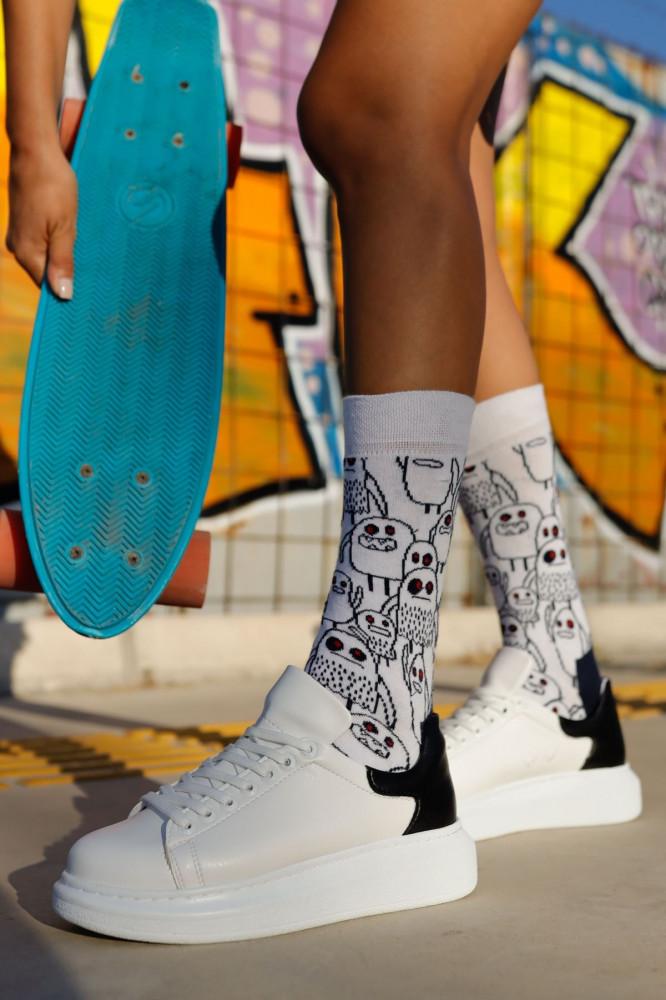 حذاء رياضة أسود أبيض نسائي