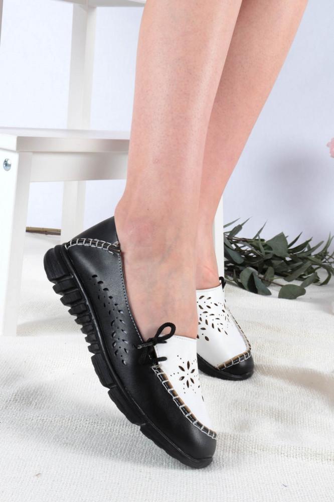 حذاء فلات أبيض أسود نسائي