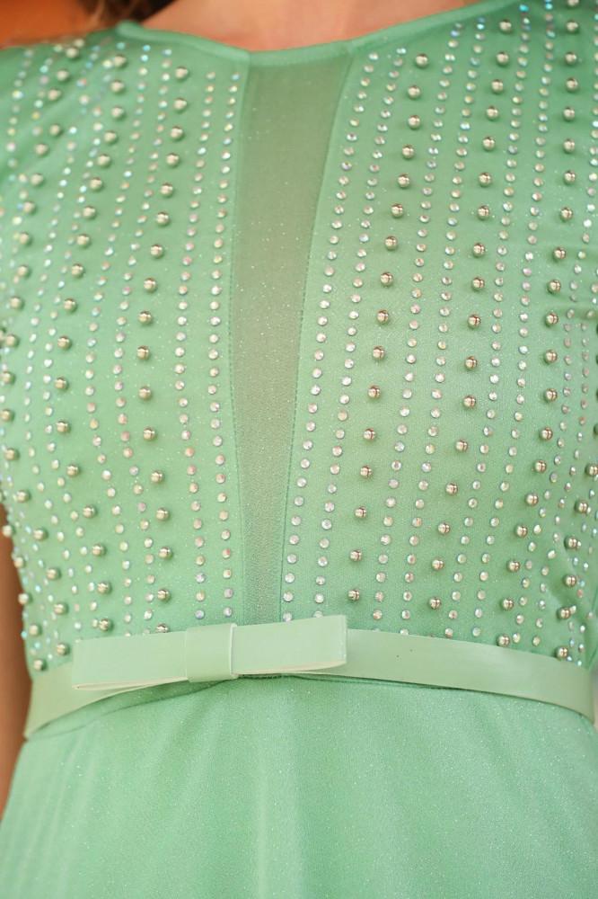 فستان سهرة أخضر لوزي بجزء علوي بفصوص نسائي