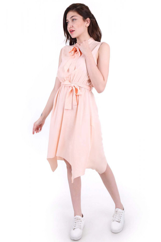 فستان بحزام ورباط ياقة نسائي